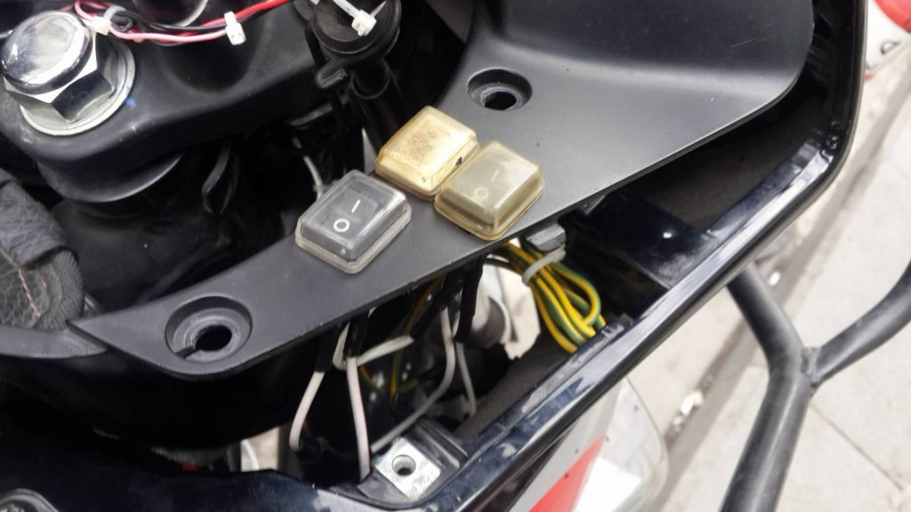 Cbf 150 motosiklete düğme ve elcik ısıtma uygulaması