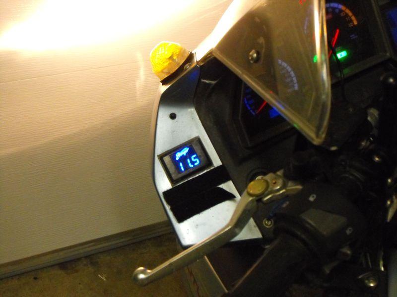 Motosiklete Voltmetre takmak