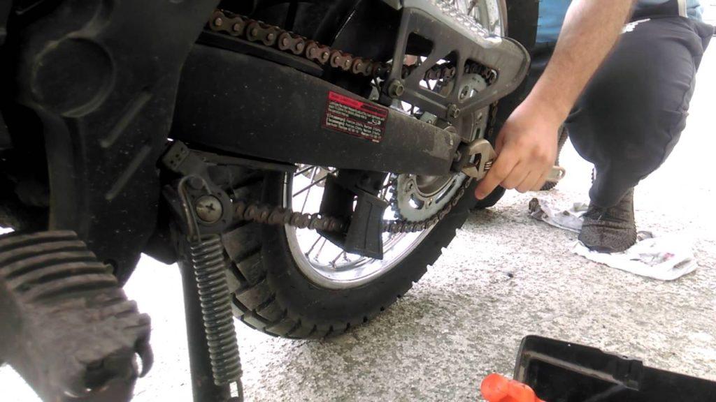 Motosiklet Zincir ayarı zincir kontrolü 2.el motosiklet alırken nelere dikkat etmeliyiz?