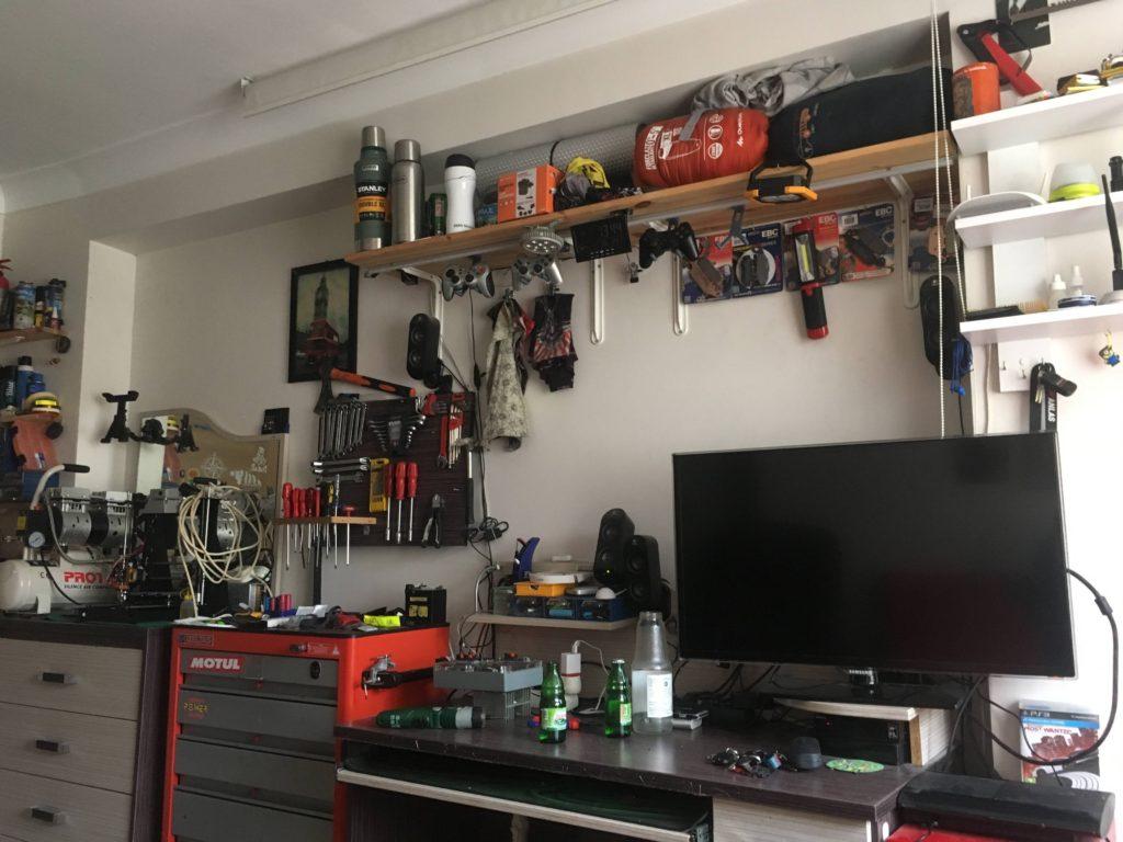Motosiklet Ekipmanları için eve Raf Uygulaması