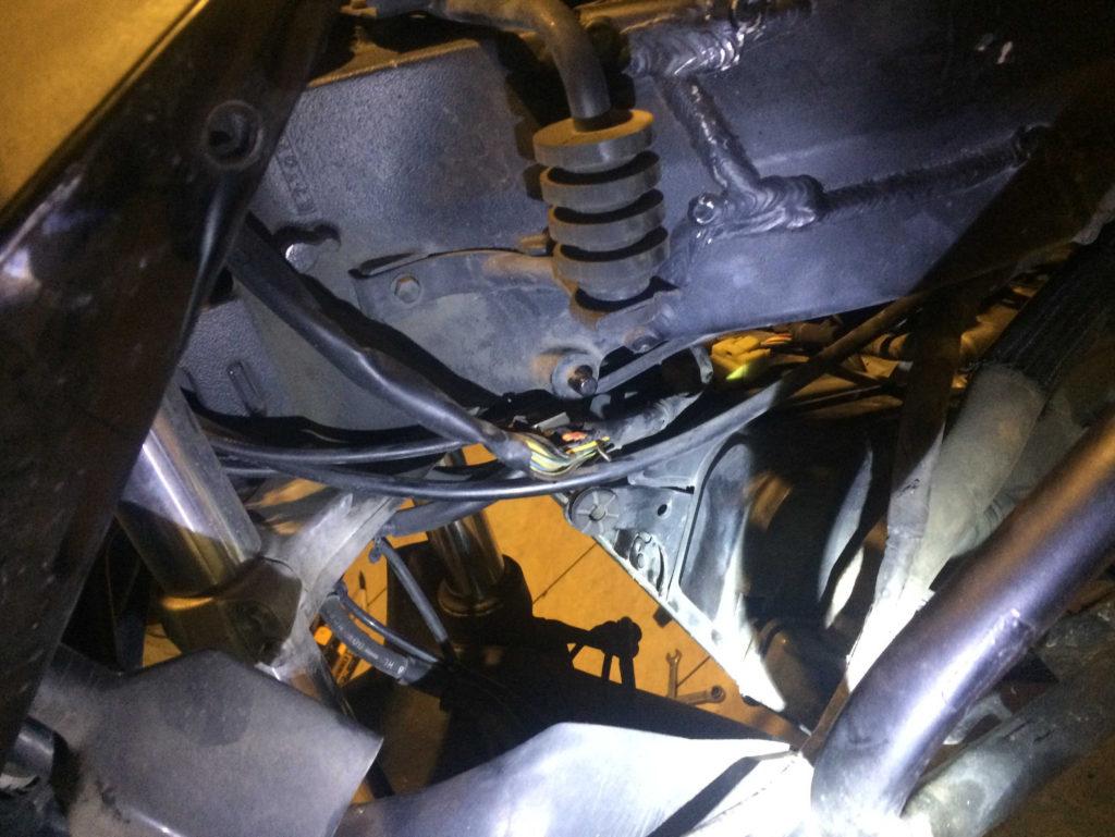 Motosikletin gidon kablolarının zamanla yıpranması sorunu ve çözümü