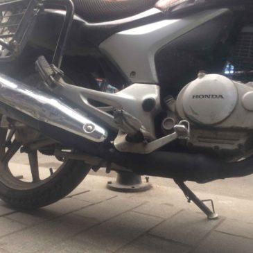 Honda Cbf150 Paslı Egzozu Temizlemek ve Boyamak Revizyon İşlemi