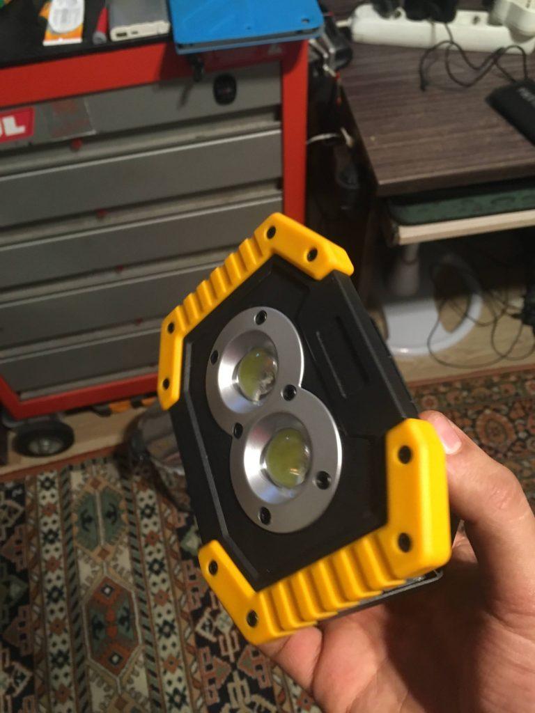 10watt Şarjlı Taşınabilir Led Projektör İncelemesi 18650 batarya ile çalışan Projektör