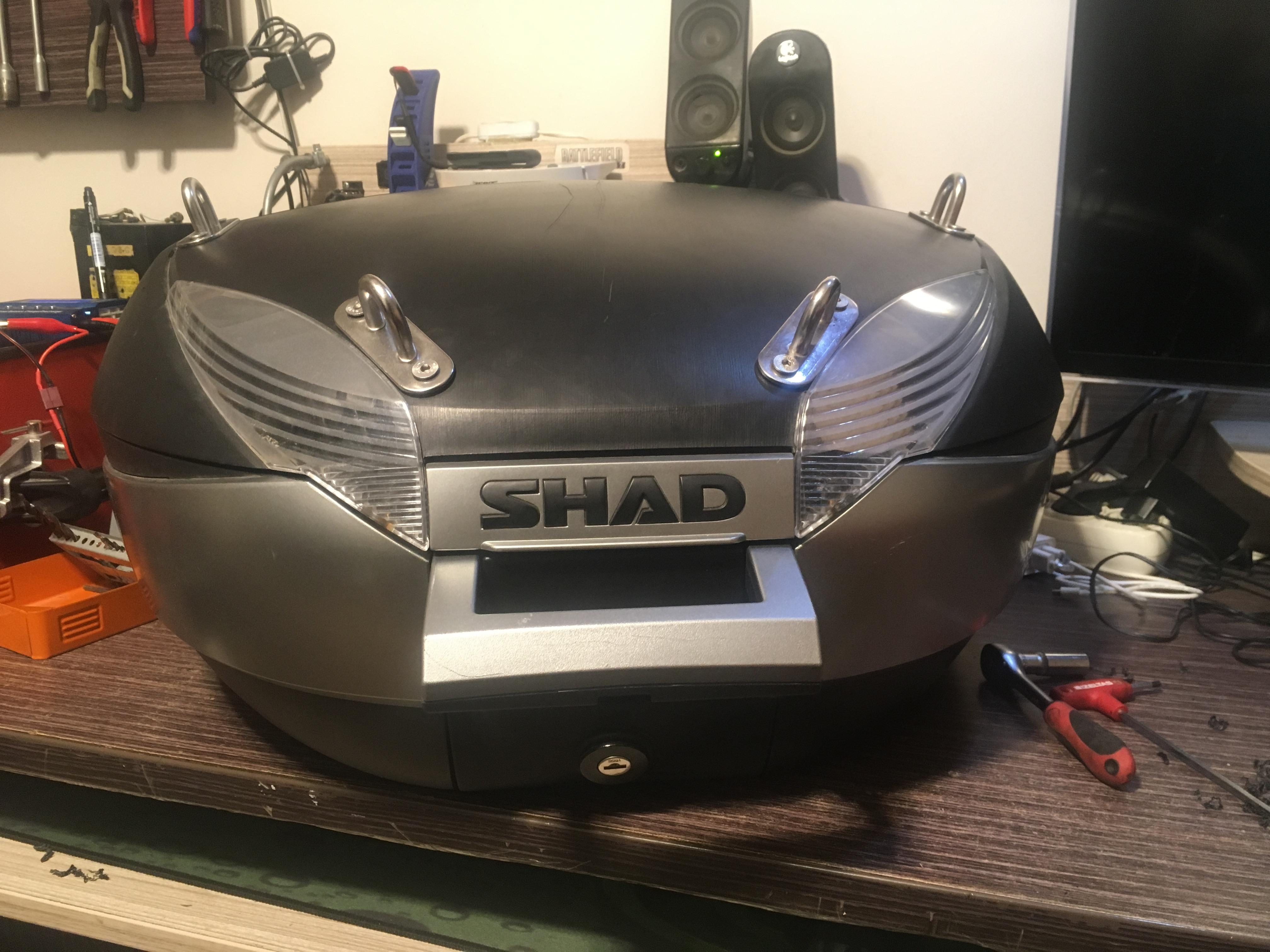 Shad sh48 Topcase Aydınlatma ,Usb Girişi Ve Yük Taşıma Demiri Uygulaması Sh48 Modifikasyonu